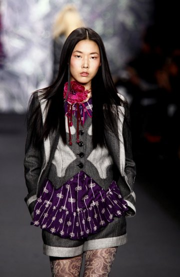 Anna Sui : Folk + Hippies Attitude