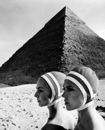 Op Art Fashion_Gizeh, Egypt 1966_In Brigitte, issue 10-1966_F.C. Gundlach