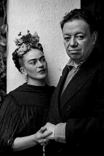 Frida and Diego in Tizap�n, 1937_Collection Promotora Cultural Fernando Gamboa A.C._Nickolas Muray Photo Archives