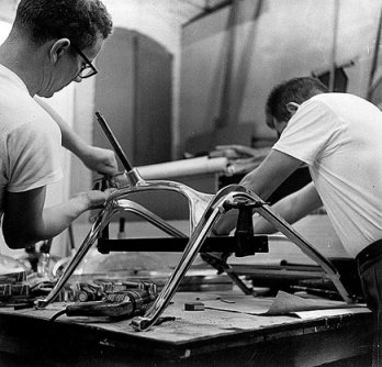 Charles & Ray Eames_Developing of Aluminum Chairs, 1958_San Francisco_USA