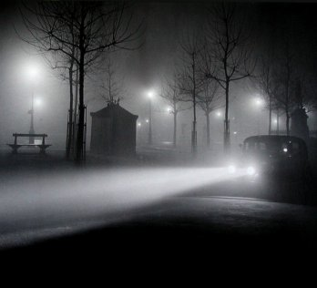 Brassaï in 1934_foggy in Paris