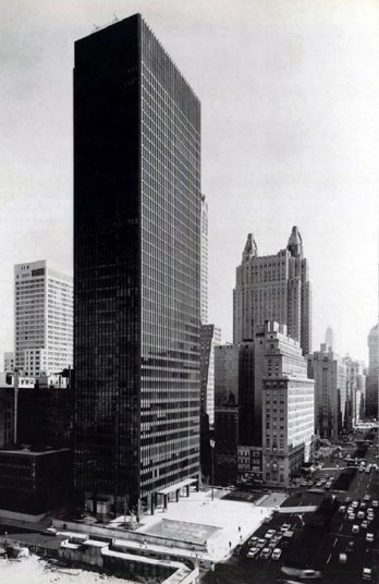 Ezra Stoller/Seagram Building by Mies van der Rohe & Philip Johnson_Ezra Stoller, New York 1954-58