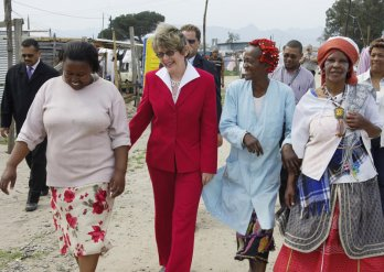 Helen Zille with people of Cape Town