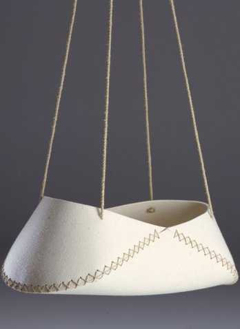 Fashioning Felt/Swing Low cradle. Designed by Søren Ulrick Petersen. Produced by SUP Design. Denmark, 1997. Wool felt, hemp rope_Erik Brahl