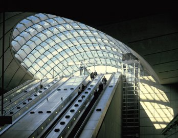 Canary Wharf Underground Station, London, England, 1991-99_Nigel Young-Foster+Partners